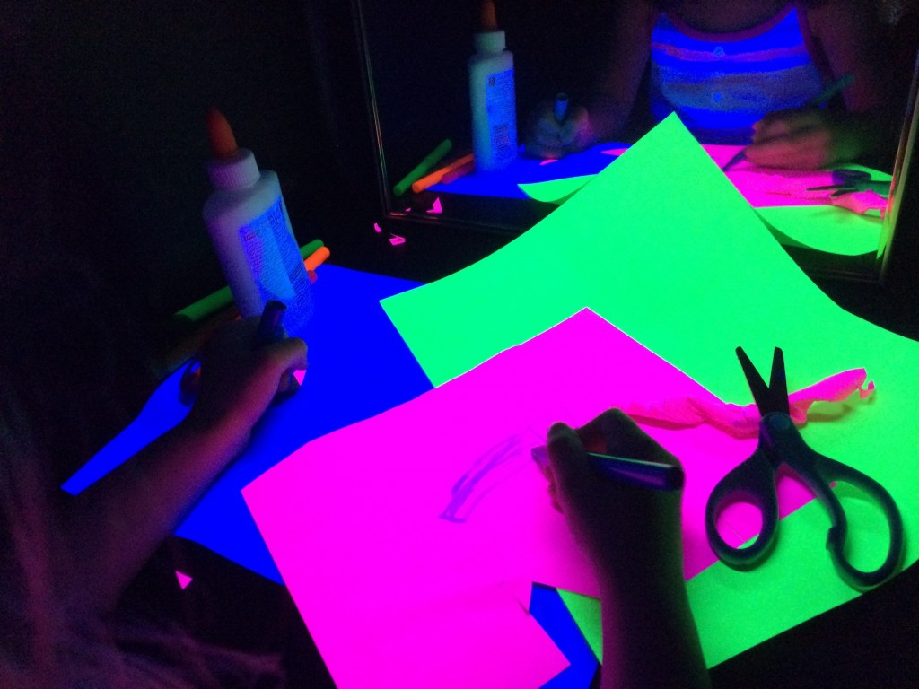 black light booth paper and highlighter