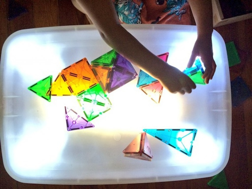 light table magnatiles 1