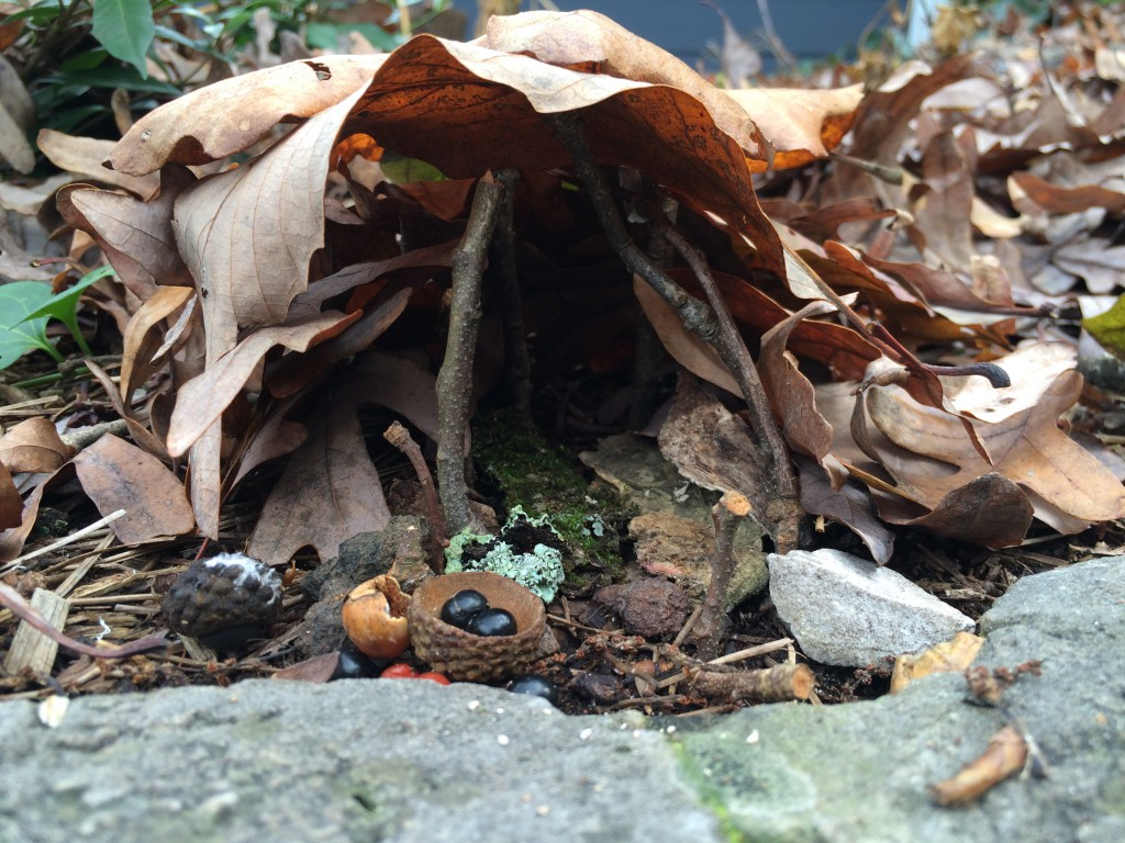 Building Fairy Houses with Kids using natural materials for an imaginative experiance in ephemeral art