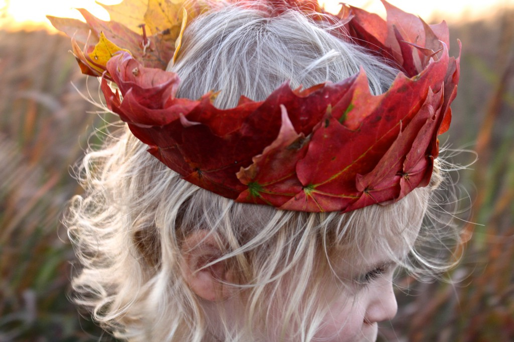 How to make a leaf crown